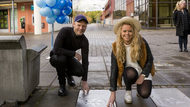 Alumni of the Year Oskar Henrikson and Sofie Lindblom at the Alumni Walk of Fame 12 October 2017