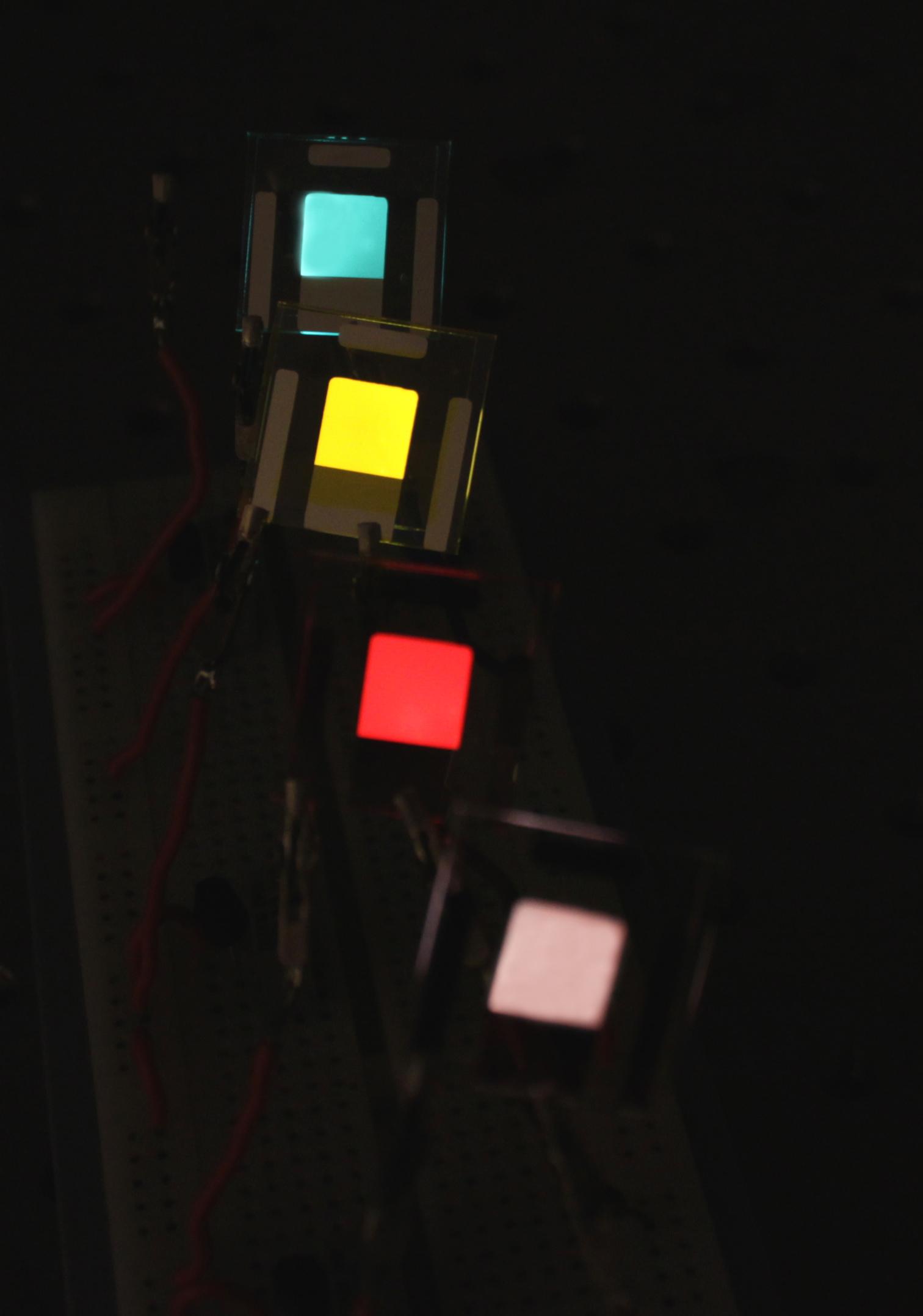 ee330a35586 Ljusemitterande elektrokemiska celler kan tillverkas i många olika färger.