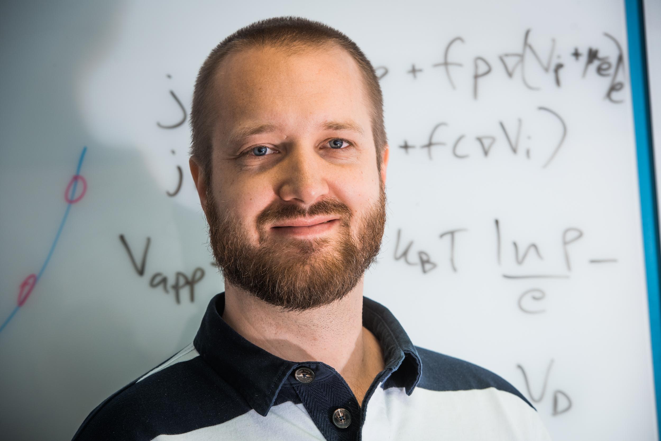 Klas Tybrandt, researcher at Laboratory for Organic Electronics