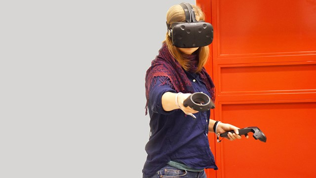 Doctoral studies in Design - Student in VR lab