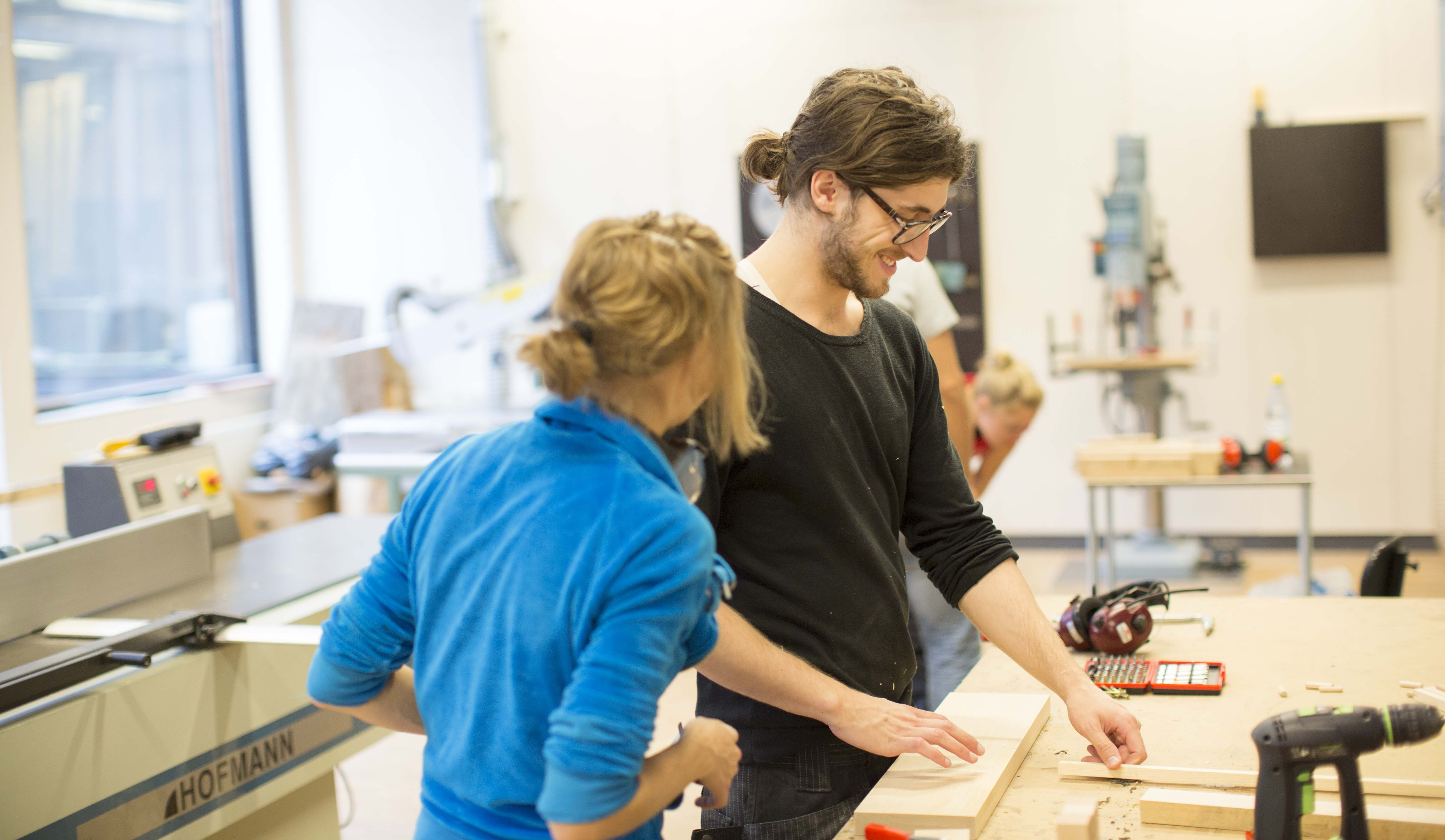 Studenter i verkstad / Students in workshop