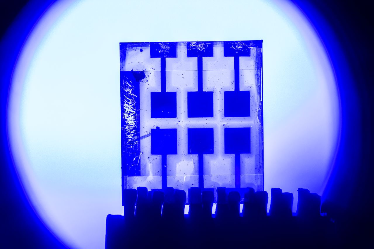 The film in the new perovskite transfers both text and images, rapidly and reliably