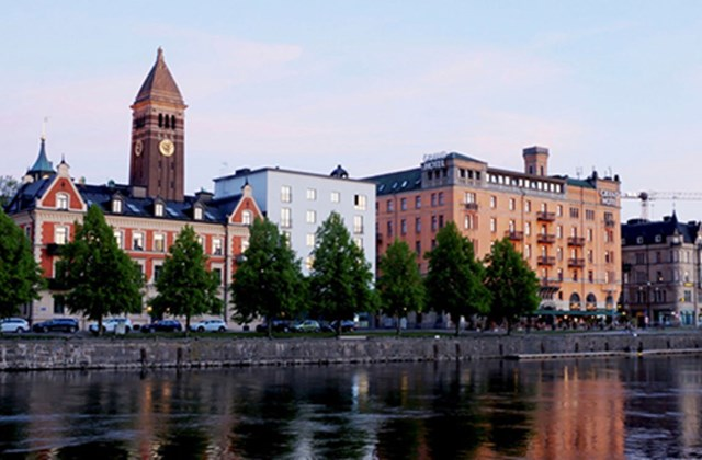 View of Grand Hotel Norrköping, by the water