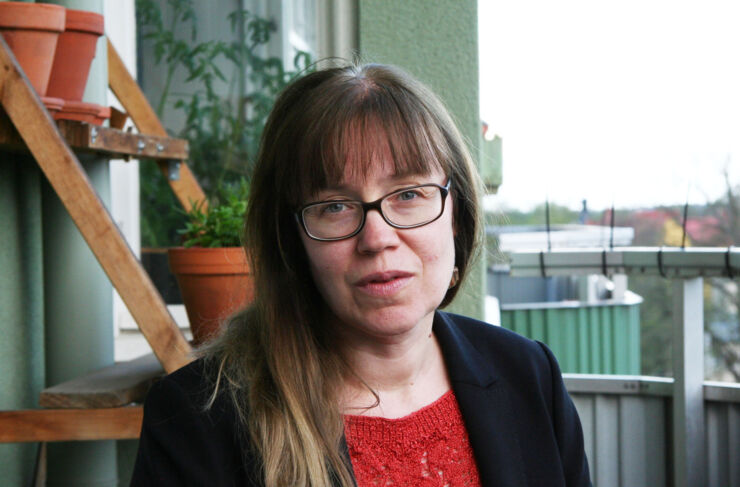 Portrait of Anna Bredström who is conducting research the role of etnicity and migration in health and health care.