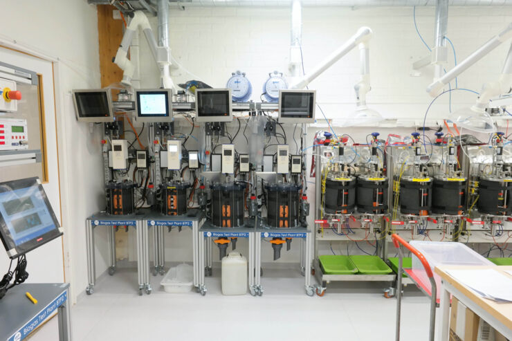 Lab-scale biogas reactors
